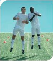 esercizi calcio 11+ 5 corsa con salto e contatto delle spalle